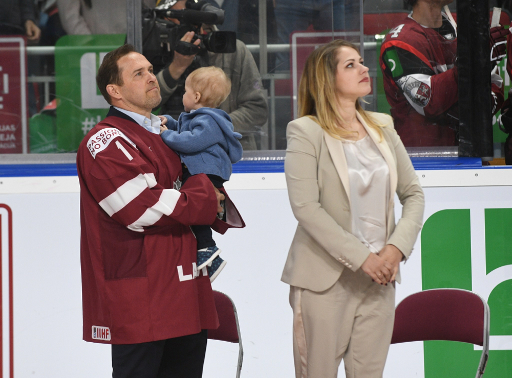 Artūrs Irbe honored before Latvian exhibition game!