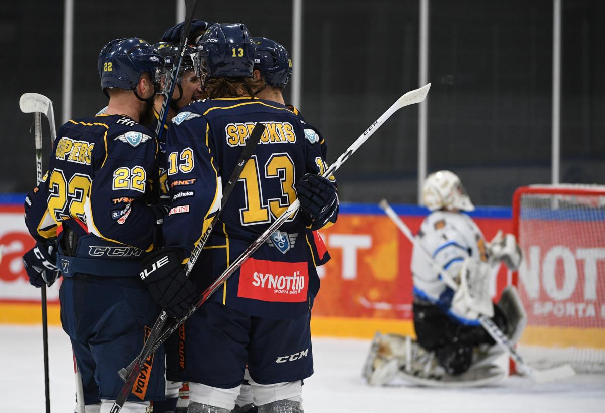 17.11.29 Kurbads vs HS Rīga (8-2)