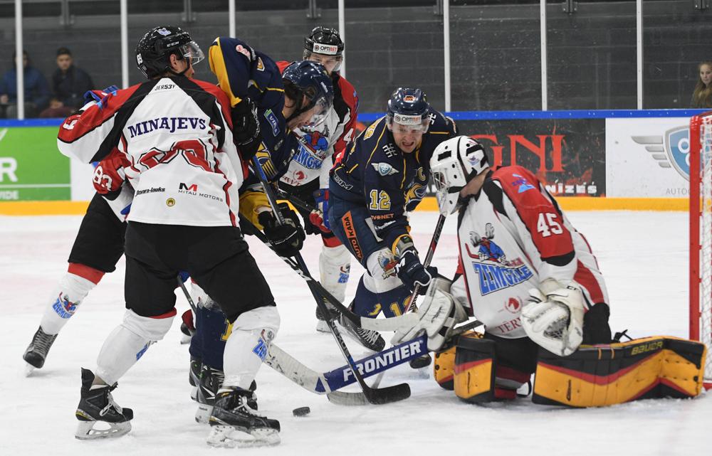 Pēcspēles metienos pārāki izrādās Zemgale/LLU hokejisti
