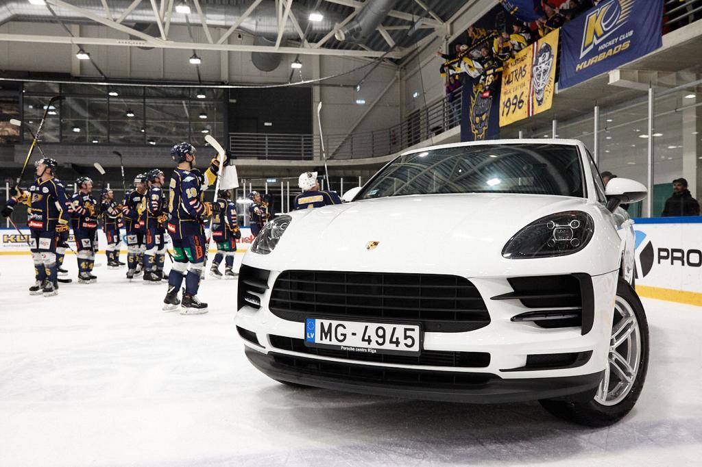 Jānis Sprukts brauc ar Porsche!